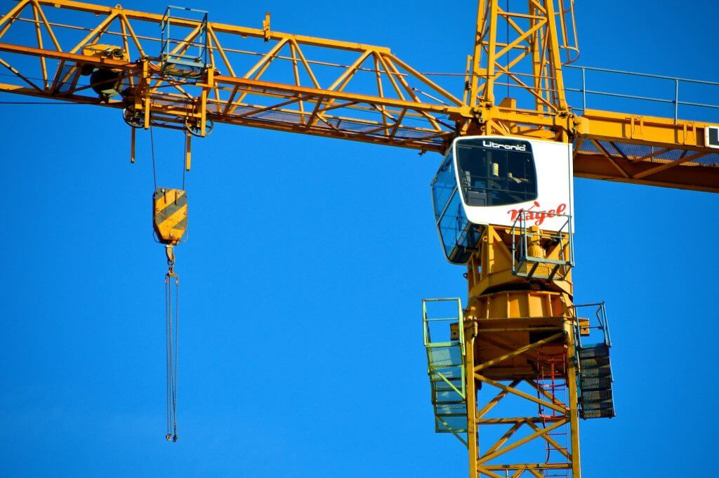 Crane image for Altida blog entitled What Licence Do You Need To Operate A Crane 1024x681 1