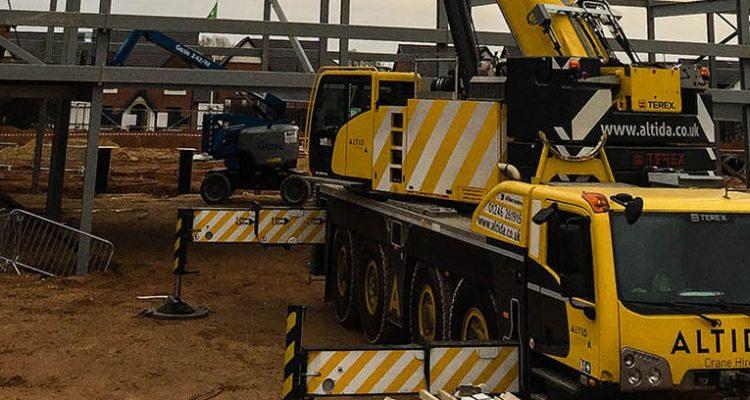 100t mobile crane hire uk