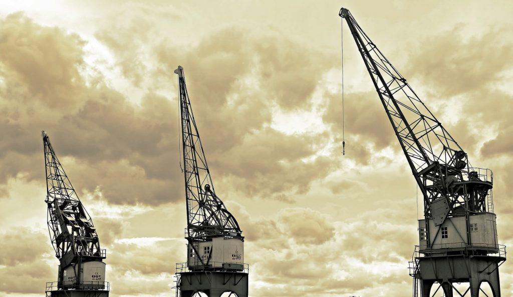harbour cranes 1669408 1920